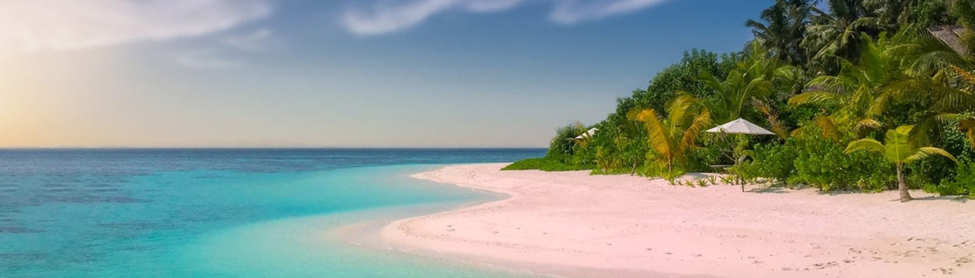 A beautiful tropical beach - a slider image for JD Specialized Recruitment South Africa's Contact page.